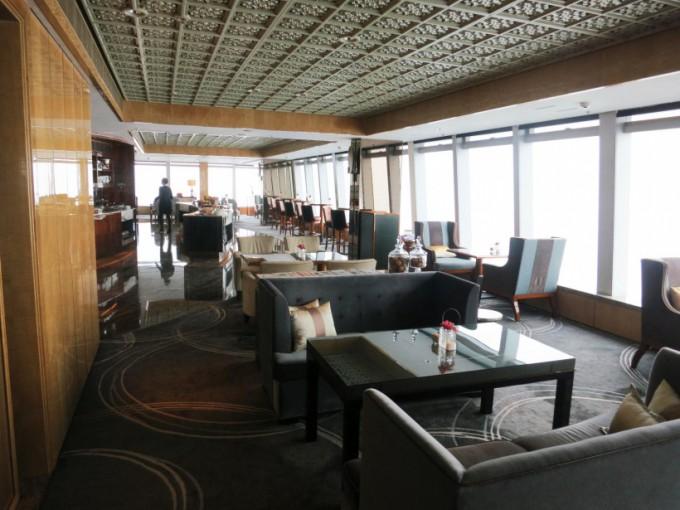 http://www.comfortablelife.asia/images/2015/05/01_Ritz-Carlton-Club_015-680x510.jpg