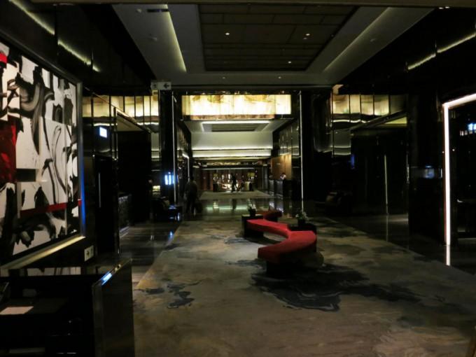 http://www.comfortablelife.asia/images/2015/05/Ritz-Carlton-Club_004-680x510.jpg