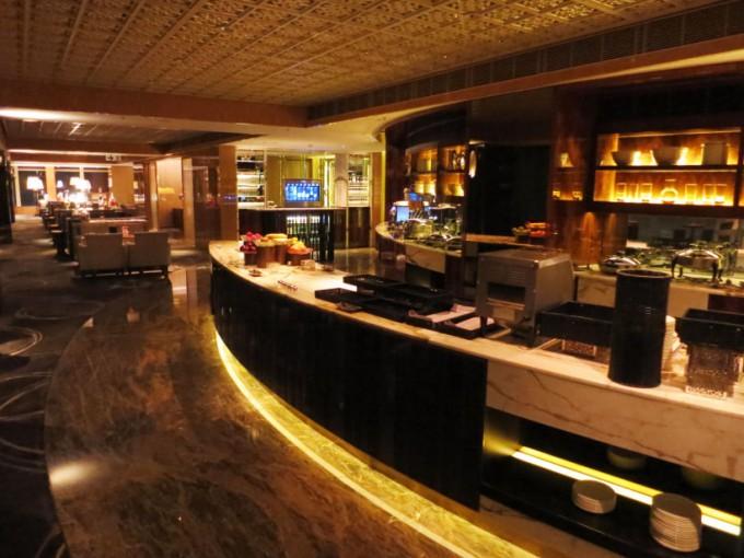 http://www.comfortablelife.asia/images/2015/05/Ritz-Carlton-Club_011-680x510.jpg