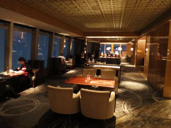The Ritz Carlton Lounge_015