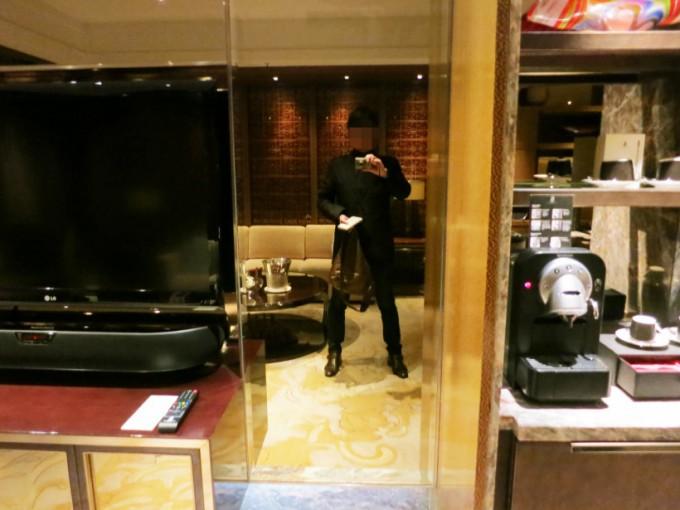 The Ritz Carlton Lounge_016