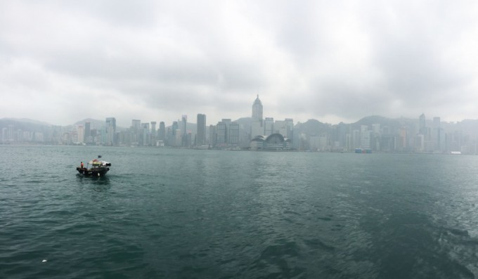 http://www.comfortablelife.asia/images/2015/06/Victoria-Harbour_003-680x397.jpg