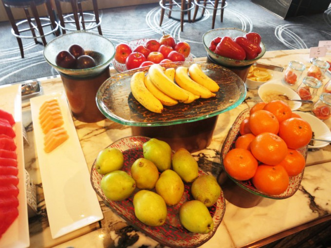 http://www.comfortablelife.asia/images/2015/07/The-Ritz-Carlton-Lounge_008-680x510.jpg