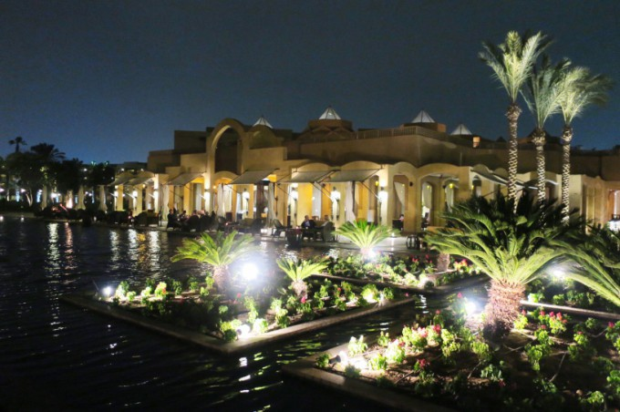 03.The Garden at night14