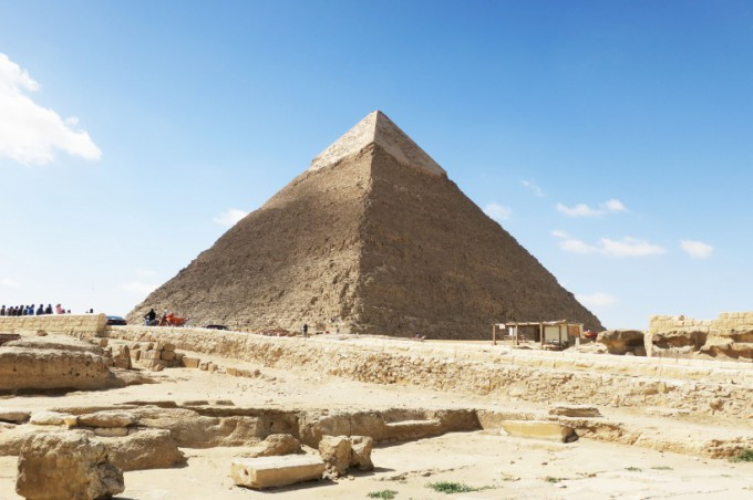 http://www.comfortablelife.asia/images/2016/06/Great-Pyramid-of-Khufu_27-680x452.jpg