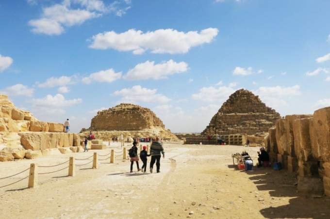 http://www.comfortablelife.asia/images/2016/07/Great-Pyramid-of-Khufu_33-680x452.jpg