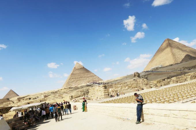 http://www.comfortablelife.asia/images/2016/07/Great-Pyramid-of-Khufu_41-680x452.jpg