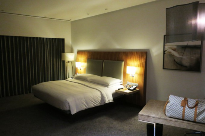 http://www.comfortablelife.asia/images/2016/12/Hyatt-Capital-Gate_KING-room_10-680x452.jpg