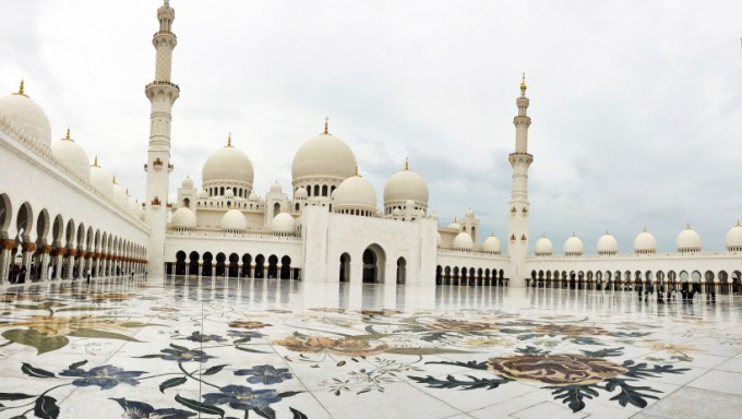 http://www.comfortablelife.asia/images/2017/01/Sheikh-Zayed-Grand-Mosque_30-680x384.jpg