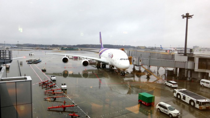 http://www.comfortablelife.asia/images/2018/02/Thai-Airways-A380-Suite_02.jpg